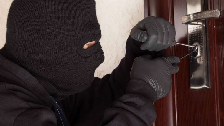 Home Security: Rise in Burglaries Expected as Clocks Go Back